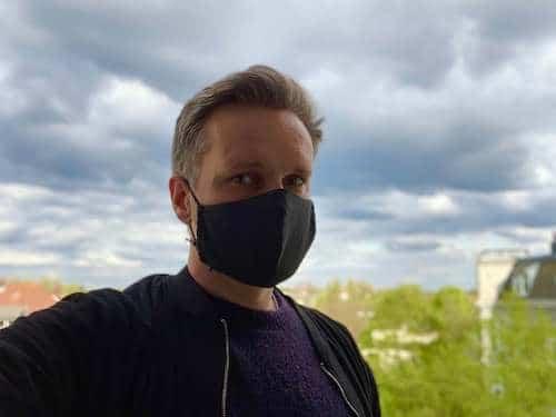 Marcel mit Maske